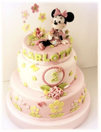 MINNIE FLOWERS CAKE