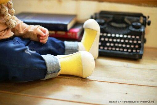 Sunny Autumn - Attipas Macaron Yellow, thick socks