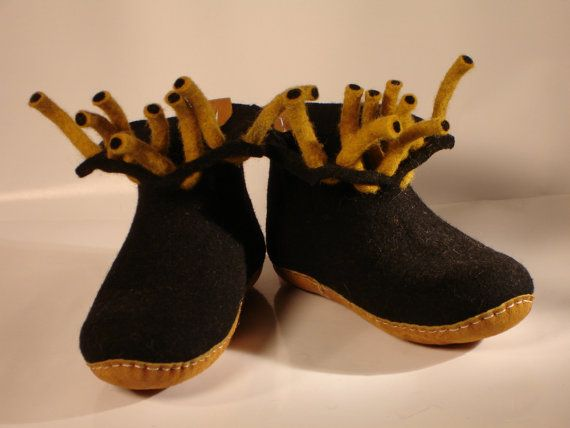Furry warmthfelt shoes by Pilin by PILINFELT on Etsy