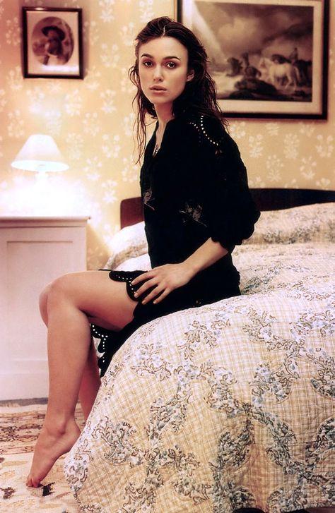 Keira Knightley  Sexy Female Legs In 2019  Keira -4635