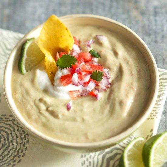 Garlicky guacamole makes more than just a finger-licking dip for tortilla chips. It also doubles as a delicious soup! Our tasty twist features all the works: creamy avocado, salsa, crunchy onions, and more.