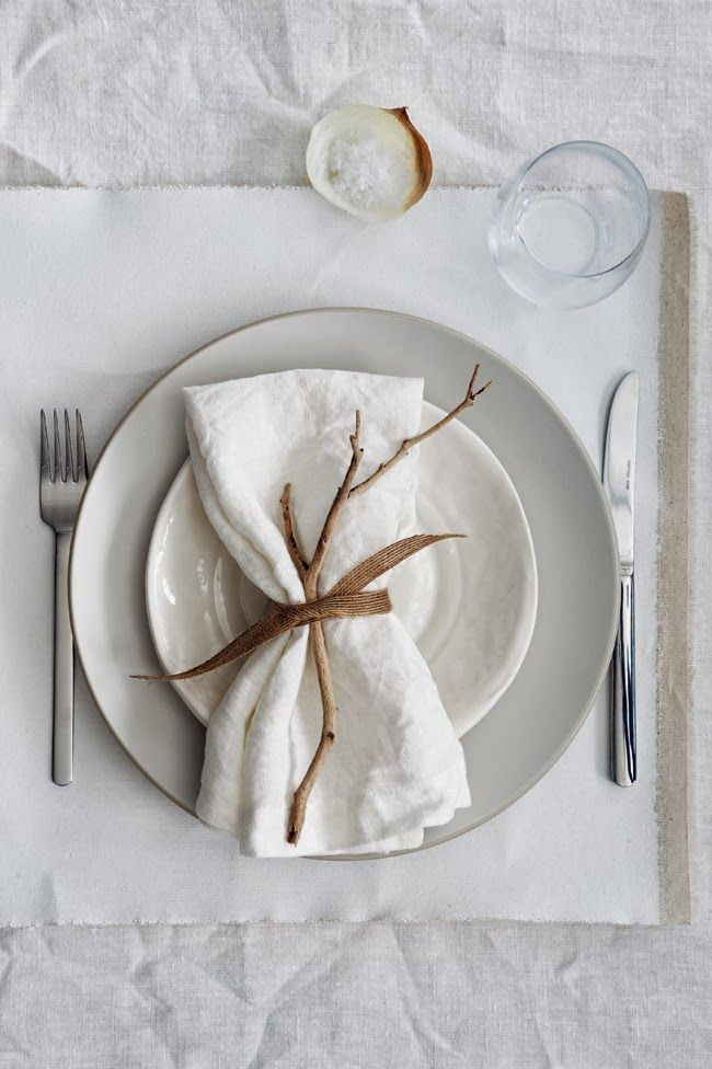 The Studio M Designs blog ...: 5 Styling Tips for a White Table Decor