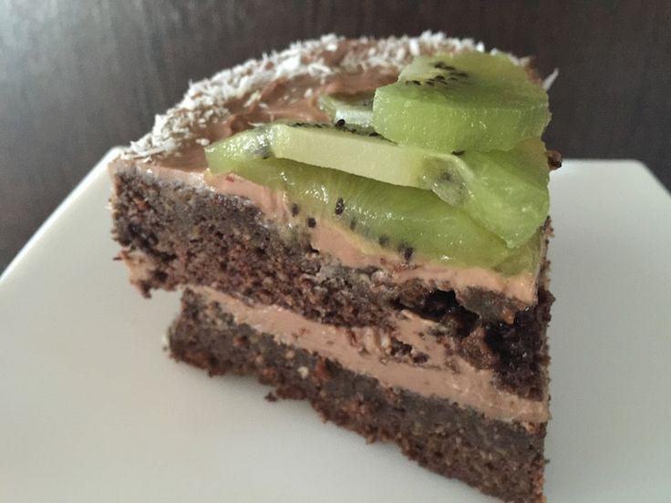 Торт с авокадо с кремом из шоколадной рикотты -   Чаще всего в нашей жизни первым появляется рецепт, а потом под него ищутся ингредиенты. С этим тортом было наоборот. Торт с авокадо с кремом из шоколадной рикотты обязан своим созданием именно рикотте. Несколько р�