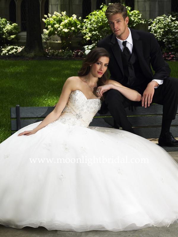 18 best Moonlight Bridal Fort Worth images on Pinterest | Wedding ...