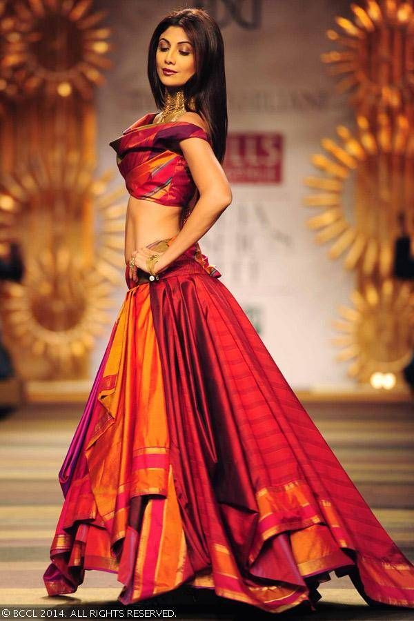 Shilpa Shetty walks the ramp for designer Tarun Tahiliani - Wills Lifestyle India Fashion Week (WIFW) autumn-winter (AW) 2014.
