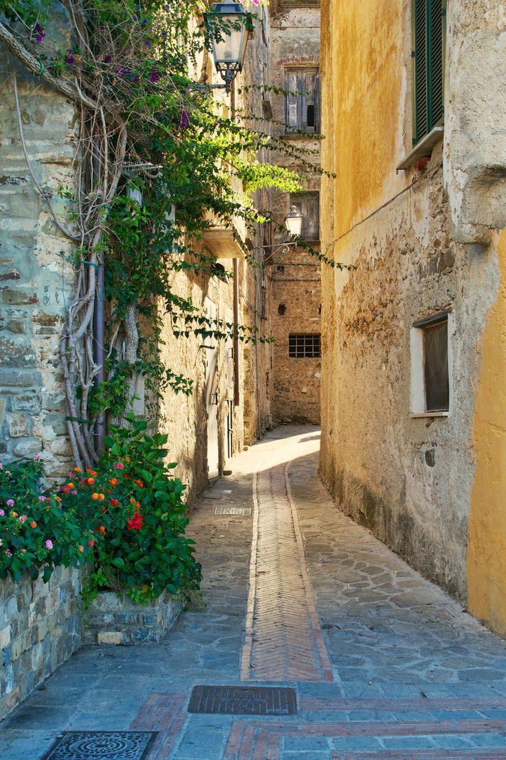Acciaroli, Cilento | Italy (by Rosario Manzo)