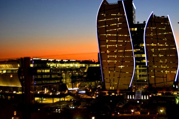 Sunset from the #Sandton Sun Hotel deck: A magnificent spot for special occasions and events in #Johannesburg #Gauteng #visitgauteng http://www.gauteng.net/blog/entry/sandton_sun_a_magnificent_spot_for_special_occasions