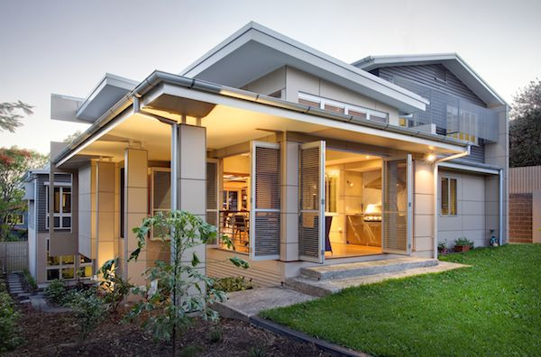 The use of lightweight materials like Matrix cladding and Linea weatherboard also made the home's overhangs easy to incorporate, as they do not need expensive steel supports. The modern geometric design of the home was also a good fit for Scyon™ walls products, which have the flexilbility to be cut into different sizes and painted different colours.