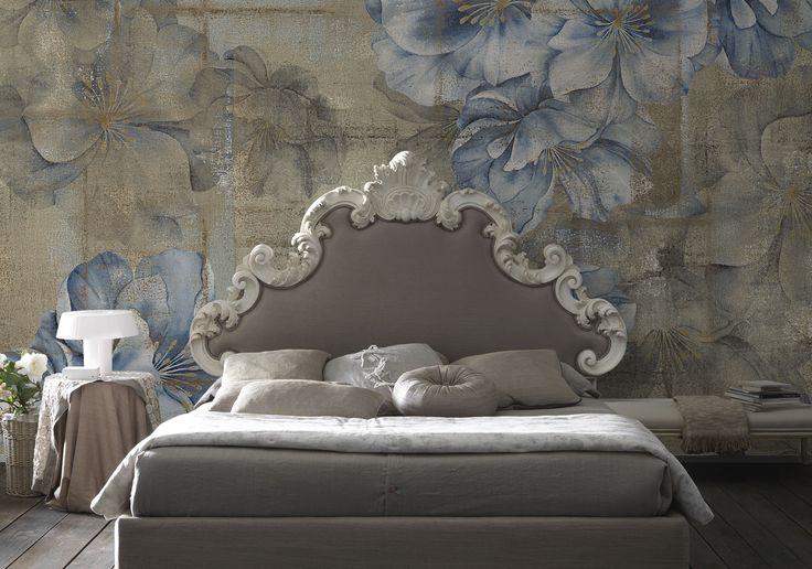 Carta da parati vintage con fiori, romantica, toni delicati per la camera da letto.