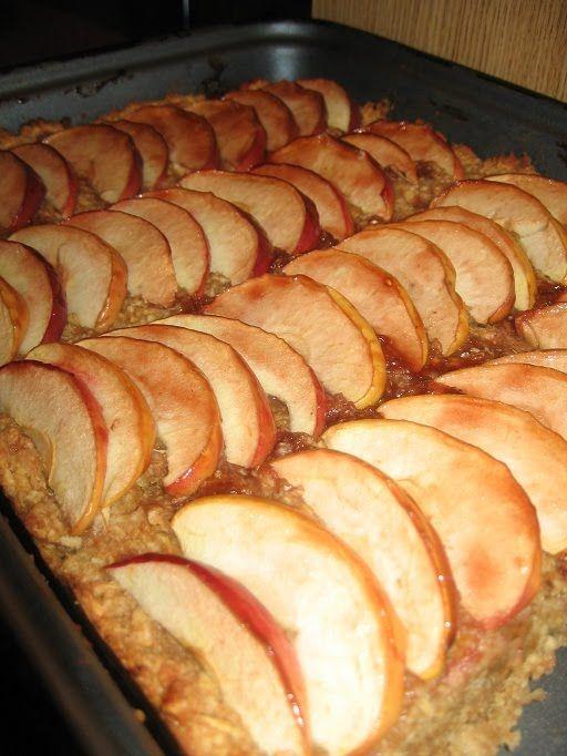 Almás zabpelyhes sütemény