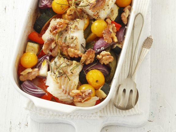 Probieren Sie das leckere Kabeljaufilet mit gemischtem Gemüse und Walnüssen von EAT SMARTER oder eines unserer anderen gesunden Rezepte!