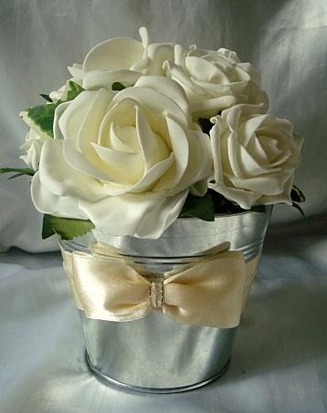 Wedding flowers venue/reception table centre pieces bucket+foam roses- packages | eBay
