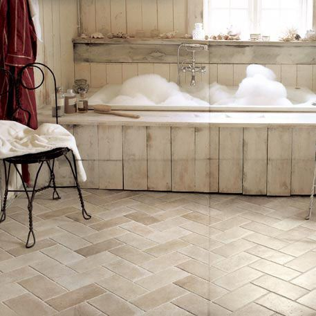Oltre 25 fantastiche idee su pavimenti rustici su - Piastrelle per bagno rustico ...