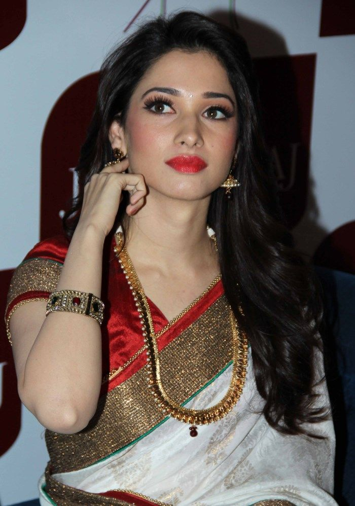 Tamanna White Silk Saree Beautiful Photos