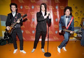 Houses of Wax: News- Jonas Brothers Burnin' Up Madame Tussaud's