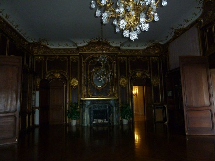 Ochre court library end wall with fireplace jc my gilded age favorites1 pinterest architecture