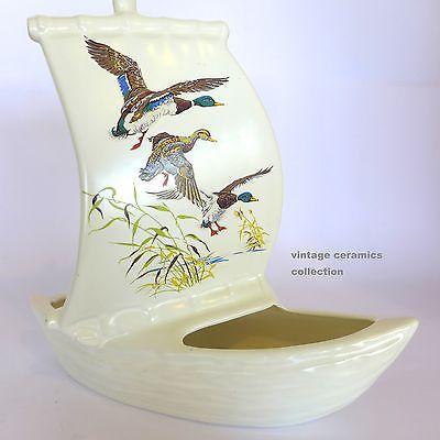 Vintage Mid Century DIANA Flying Ducks/Geese Boat VASE Cream/White T2