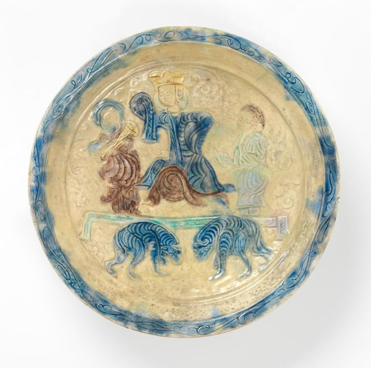 Persian, Dish, Seljuk dynasty, late 11th century-early 12th century, Iran; earthenware (Lakabi ware). Felton Bequest, 1950 (994-D4)