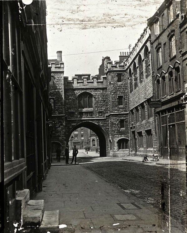 St John's Gate, Clerkenwell