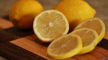 Čistíme kôru z chemicky ošetrených citrusov