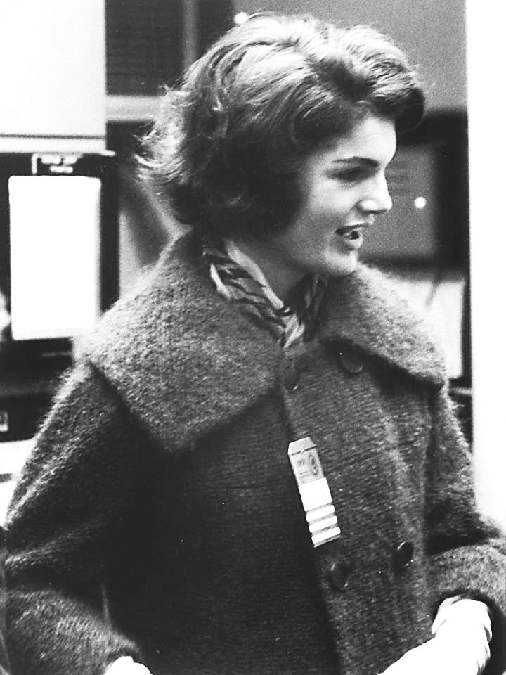Mrs~Jacqueline Kennedy visiting Oak Ridge National Laboratory, 1959. ❤❤❤❤❤❤❤ http://en.wikipedia.org/wiki/Jacqueline_Kennedy_Onassis