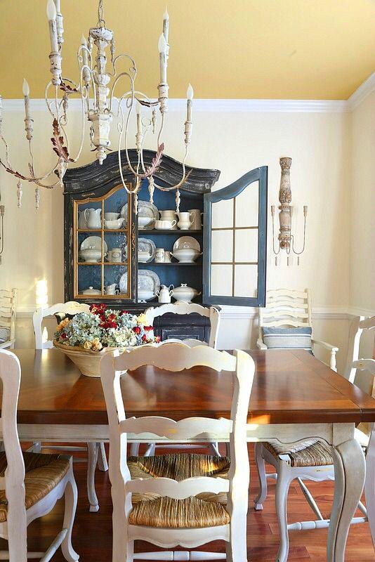 savvy southern style Dining Room Refresh http://feedproxy.google.com/~r/SavvySouthernStyle/~3/Jv1VPdkyNe4/dining-room-refresh.html via bHome https://bhome.us
