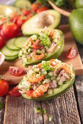 Avocat crudités thon crevettes une jolie entrèe fraicheur d'été et de vacances