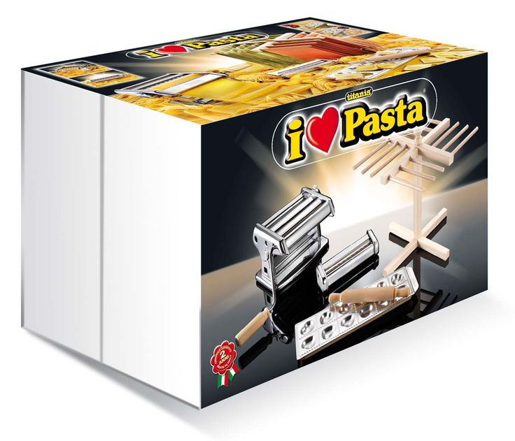 Titania I love Pasta, il set regalo con la Titania per la sgoglia, le tagliatelle, le fettuccine + la taglierina per le reginette frastagliate + lo stampo Raviolamp per i ravioli a cuoricini!