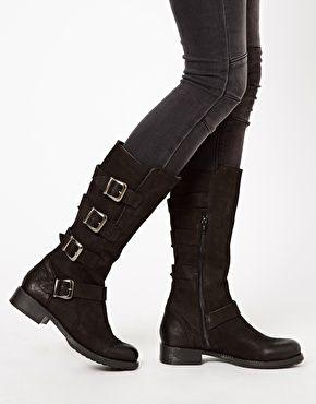 Imagen 3 de Botas de cuero negro con hebillas Robina de Faith 128€
