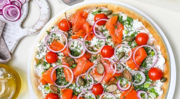 Скандинавская пицца с лососем