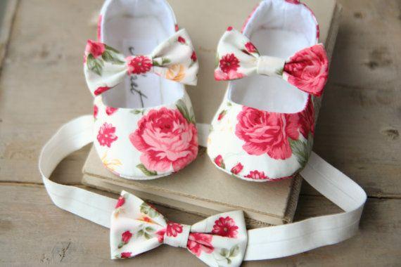 Diadema de bebé flores crema y rosa girl por MartBabyAccessories