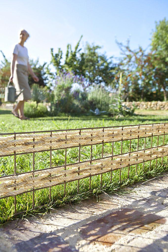 Une barrière tressée pour le jardin | jardin | Cloture jardin ...