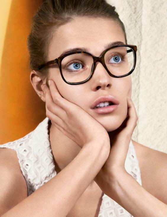 Campanha da primeira coleção de óculos para grau da Stella McCartney #StellaMcCartney #oculos #vista #eyewear #visionaire