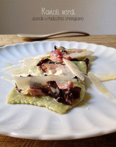 I RAVIOLI sono un prodotto tipico della cucina italiana. Un delizioso quadrato di pasta all'uovo ripieno che, a seconda delle varie ricette locali, possono essere