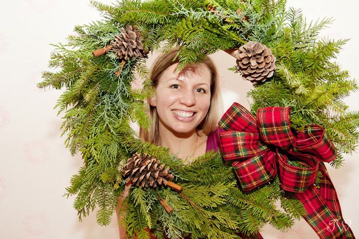 Christmas wreath workshop at Adorn Boutique @karibolen with @flowersbyjanie | DIY workshop | Calgary photographer