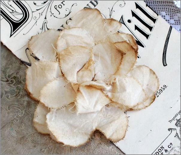 Katies Rose Cottage: Tattered Scalloped Rose Tutorial: Tattered Rose, Rose Cottages, Crafty Flowers, Faux Flowers, Teas Stained, Rose Tutorials, Katy Rose, Scallops Rose, Fabrics Flowers