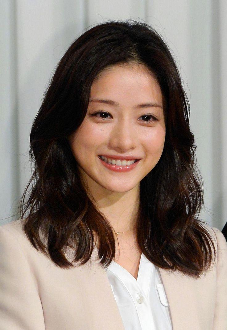女優の石原さとみ(28)、俳優の山下智久(30)らが20日、都内で行われたフジテ - Yahoo!ニュース(デイリースポーツ)