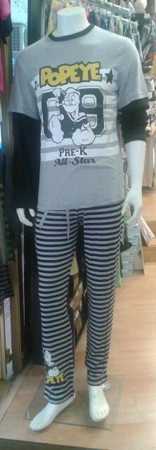 Pijama de hombre combinado gris y negro con el pantalón a rayas