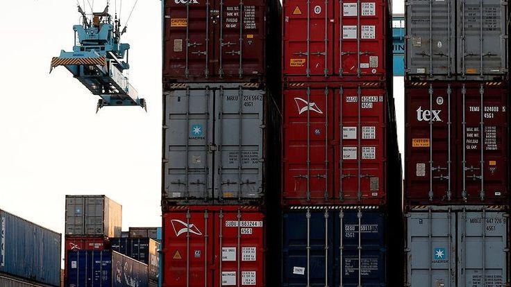 """TİM verilerine göre, ekim ayında ihracat yüzde 15,6 arttı. Başbakan Yıldırım, """"Bu rakam, bütün zamanların ekim ayı itibarıyla en yüksek rakamıdır. Son 10 yılın en yüksek rakamıdır.' dedi."""