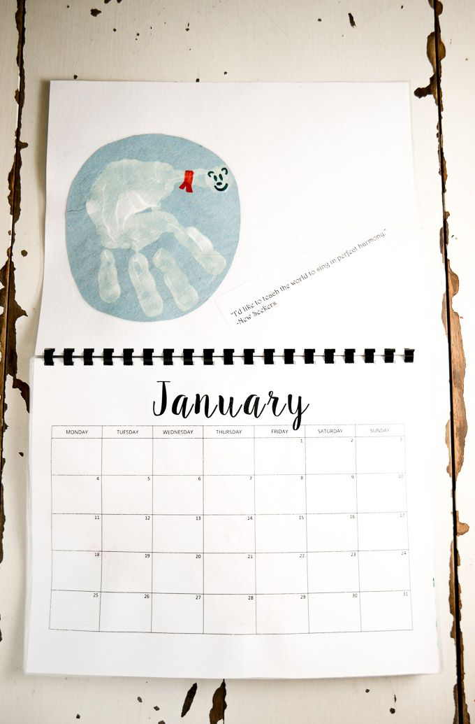 Kindergarten Calendar For Parents : This handprint calendar for preschoolers is an easy craft