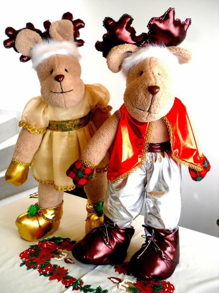 Pareja de renos de muñecos navideños blanca nieve