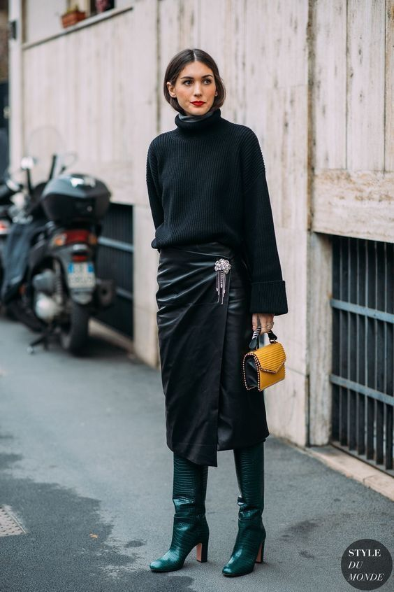 dfb7ab50918e ... fall fashion outfits with casual style trends. all black look, midi  leather skirt #minimal #streetstyle