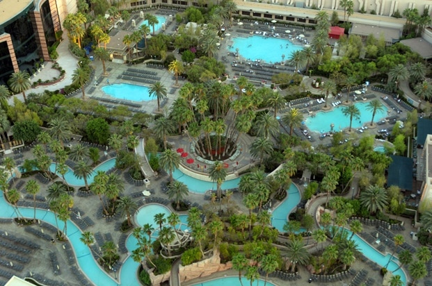The Pool At The Mgm Grand Is Amazing You Could Spend All Day And Have A Blast Things I Love