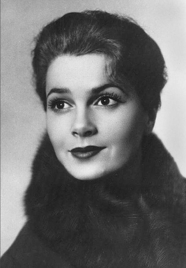 Самые красивые советские актрисы_Элина Быстрицкая