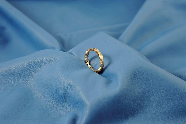 Fedina pesciolini in oro rosa, con brillantini negli occhi, carina anche come fede da matrimonio!