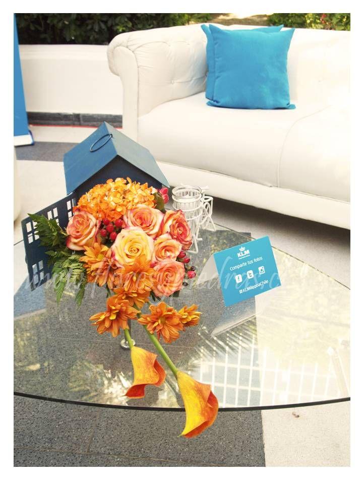 Evento KLM para productora BlowUp Ambientación Flores y Piedras