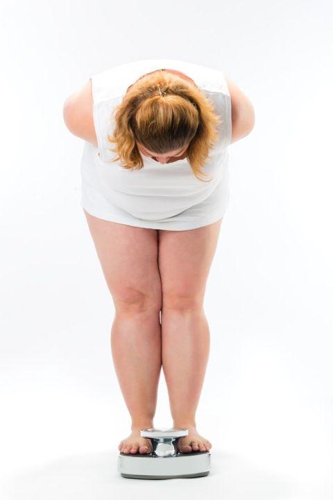 tragico che la maggior parte delle persone ignori che oggigiorno l'obesità nelle persone adulte è molto più comune nel mondo rispetto alla malnutrizione ... http://www.piusanipiubelli.it/salute-nel-mondo-allarme-sovrappeso-obesita.htm