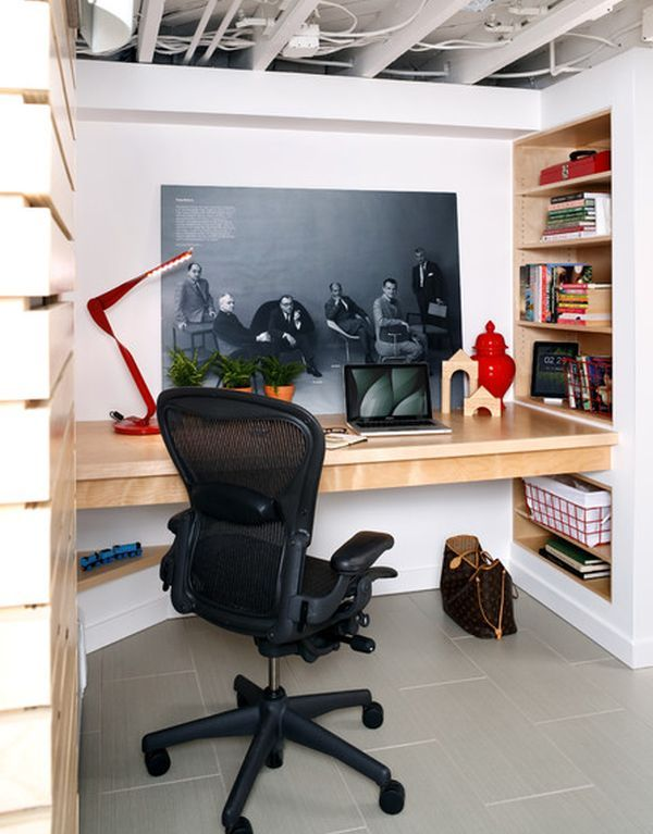 When you don't have the space to turn a whole room into your office, you can redirect your attention towards spaces such as the basement. It might not be ideas, but it's a great space where you can find some peace and quiet and where you can concentrate properly. It's small but a floating desk and some wall shelves would solve the problem.