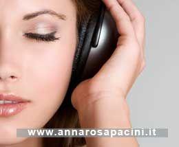 """Anche il cervello ha la sua palestra, dall'alimentazione alla musica alla luce. Buone abitudini da incrementare. #Podcast """"Comunicare per essere"""", #counseling, #realizzazione personale. http://www.annarosapacini.it/?p=385"""