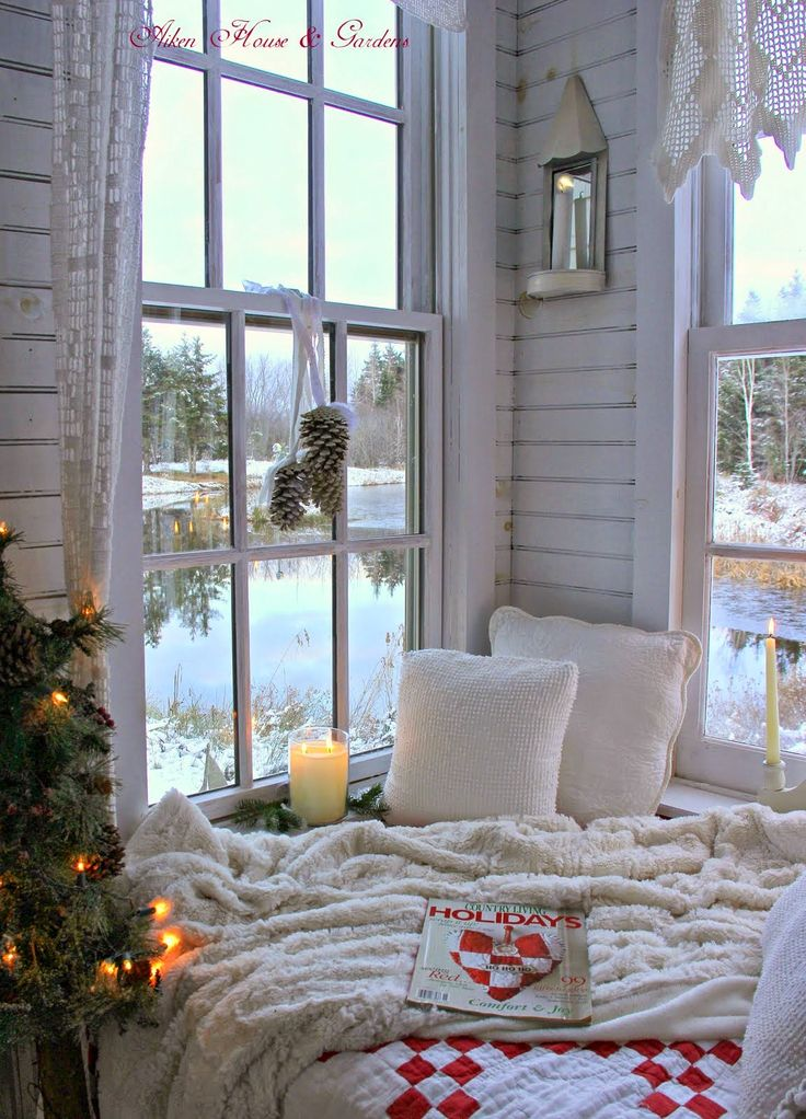Aiken House & Gardens: A Review of The Christmas Boathouse